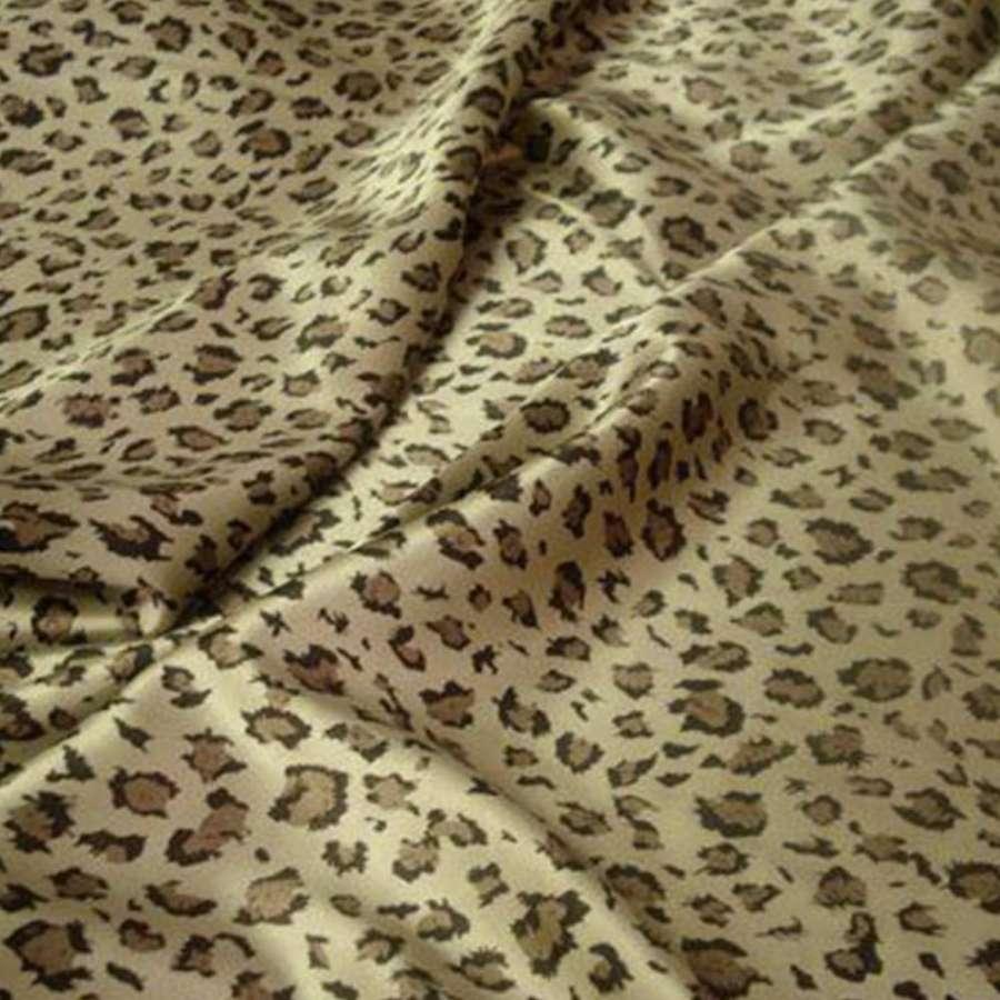 Стрейч атлас светло бежевый коричневый принт леопард ш.120