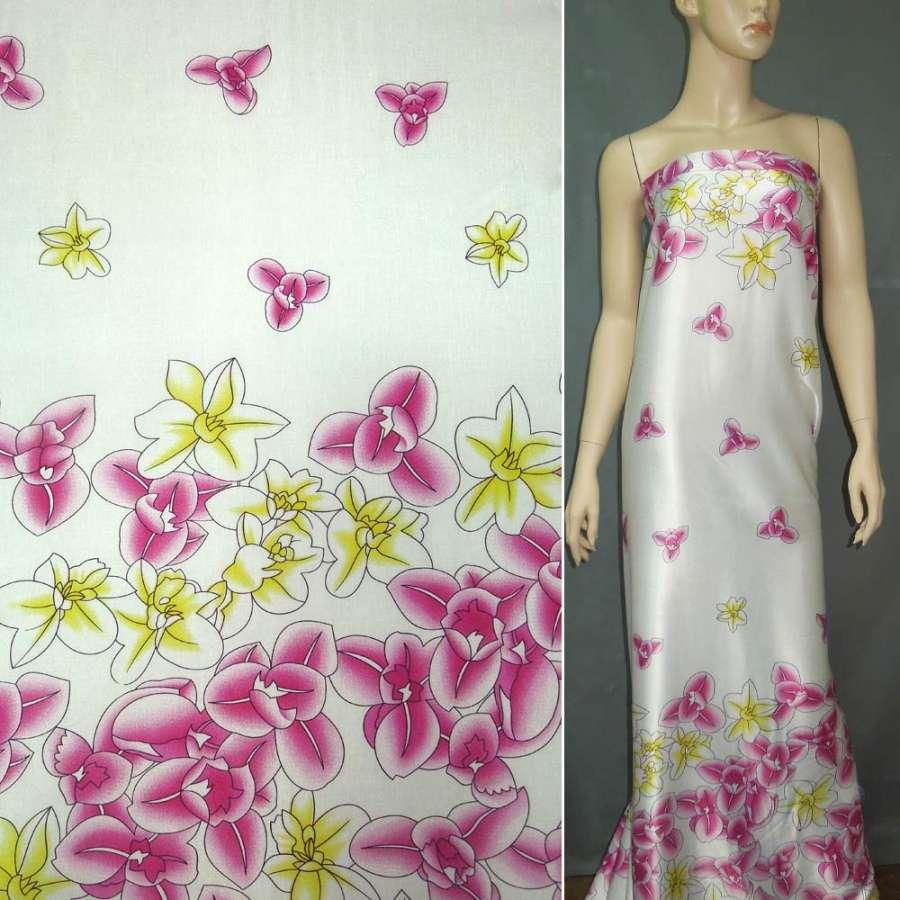 Стрейч атлас светло бежевый в малиновые цветы ш.150