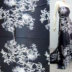 Атлас стрейч черный в белый цветочный орнамент ш.150