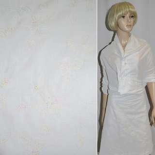 батист белый с шелковой вышивкой