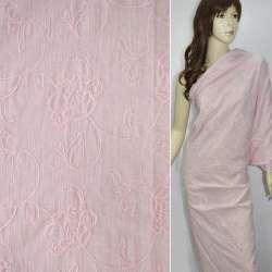 Батист  розовый  вышитый  крупными  цветами