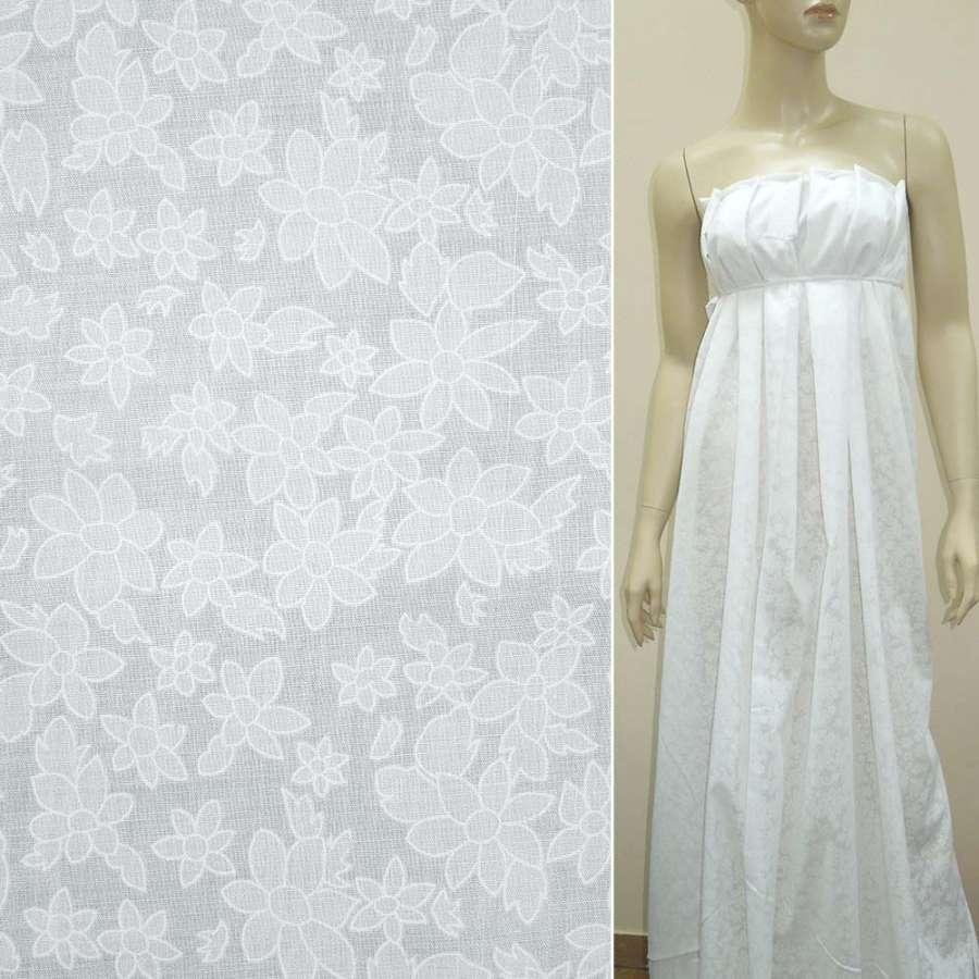 Батист деворе белый с большими и мелкими цветами ш.140