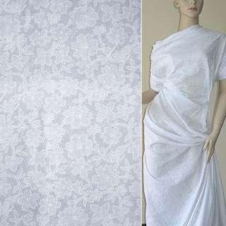 Батист деворе белый с цветамиш.140 см.