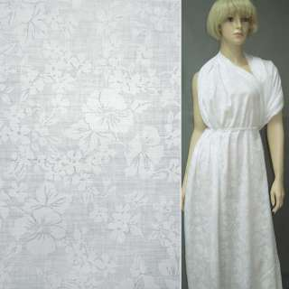 Батист белый деворе с крупными цветами ш.140