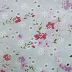 Батист белый в дырочки с розово сиреневыми цветами ш.140