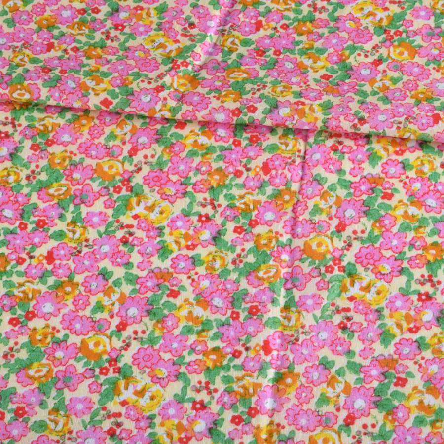 Батист кремовый в розовые, оранжевые цветы, зеленые листья, ш.140