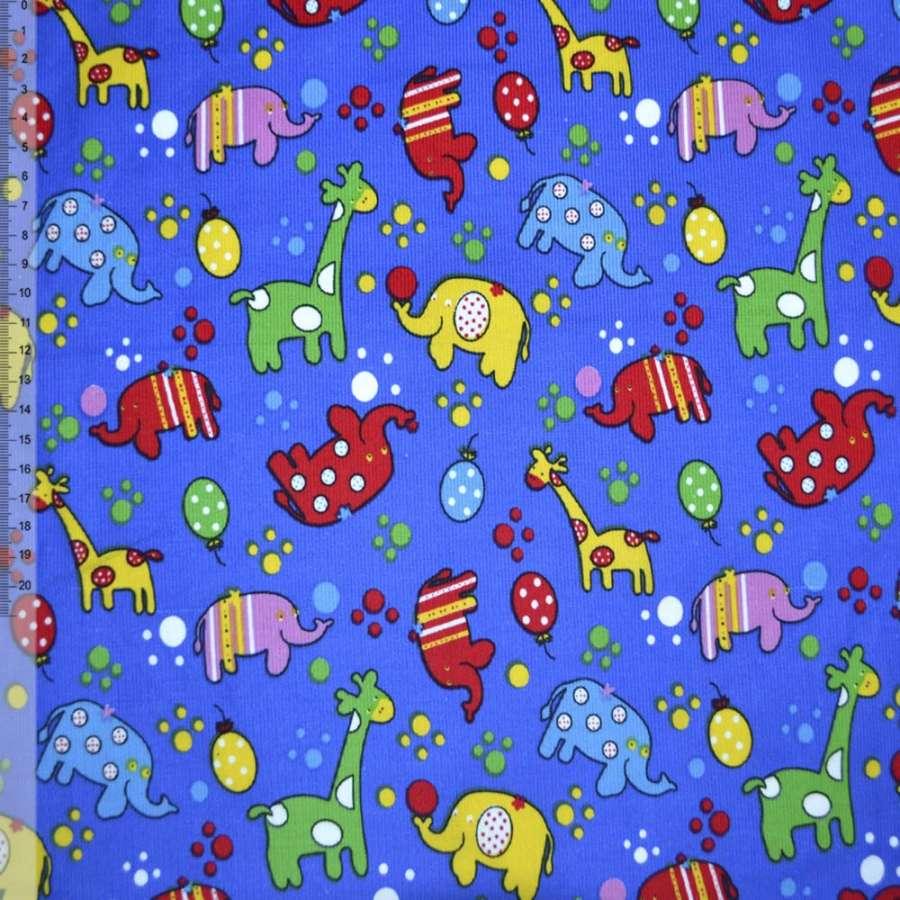 М/вельвет синий (ультра) с жирафами и слониками ш.110