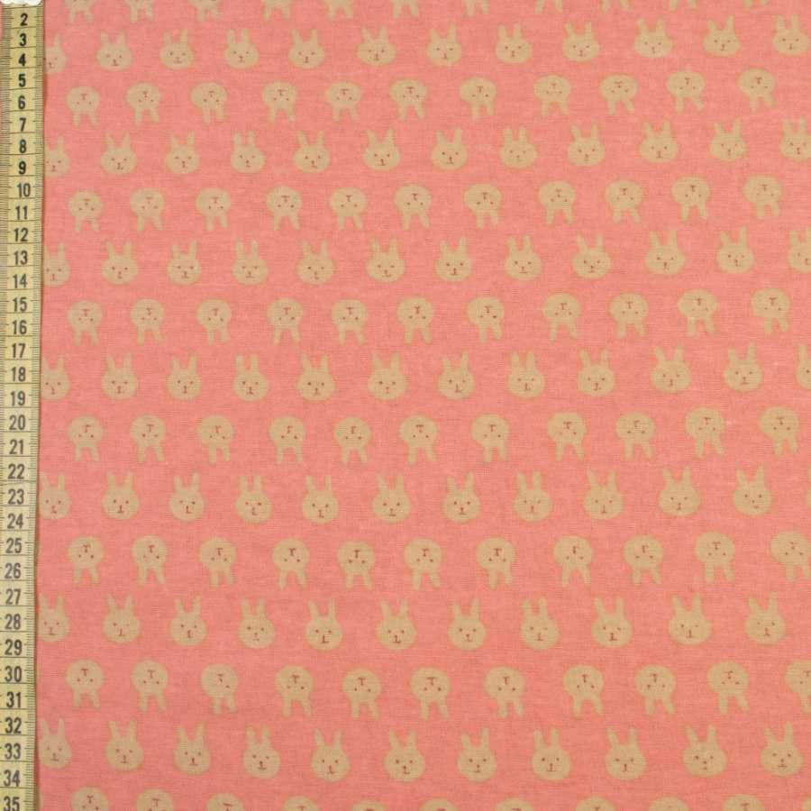 Коттон с ворсом коралловый, бежевые зайки, ш.150
