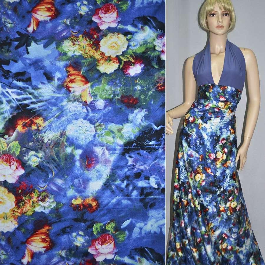 Коттон стрейч сине-белый с разноцветными розами ш.145