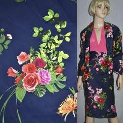Коттон стрейч синий темный с розово-красными цветами ш.145