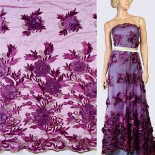 Кружево на сетке фиолетовое с нашитыми цветами, стразами и жемчужинами, кайма, ш.125