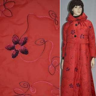 Плащевка стеганая красная с вышитыми цветами, ш.150