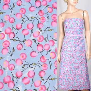 Поплін блідо-блакитний з рожевими ягодами ш.150