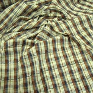 Ткань рубашечная бежевая светлая в коричнево-синюю клетку с мережкой ш.140