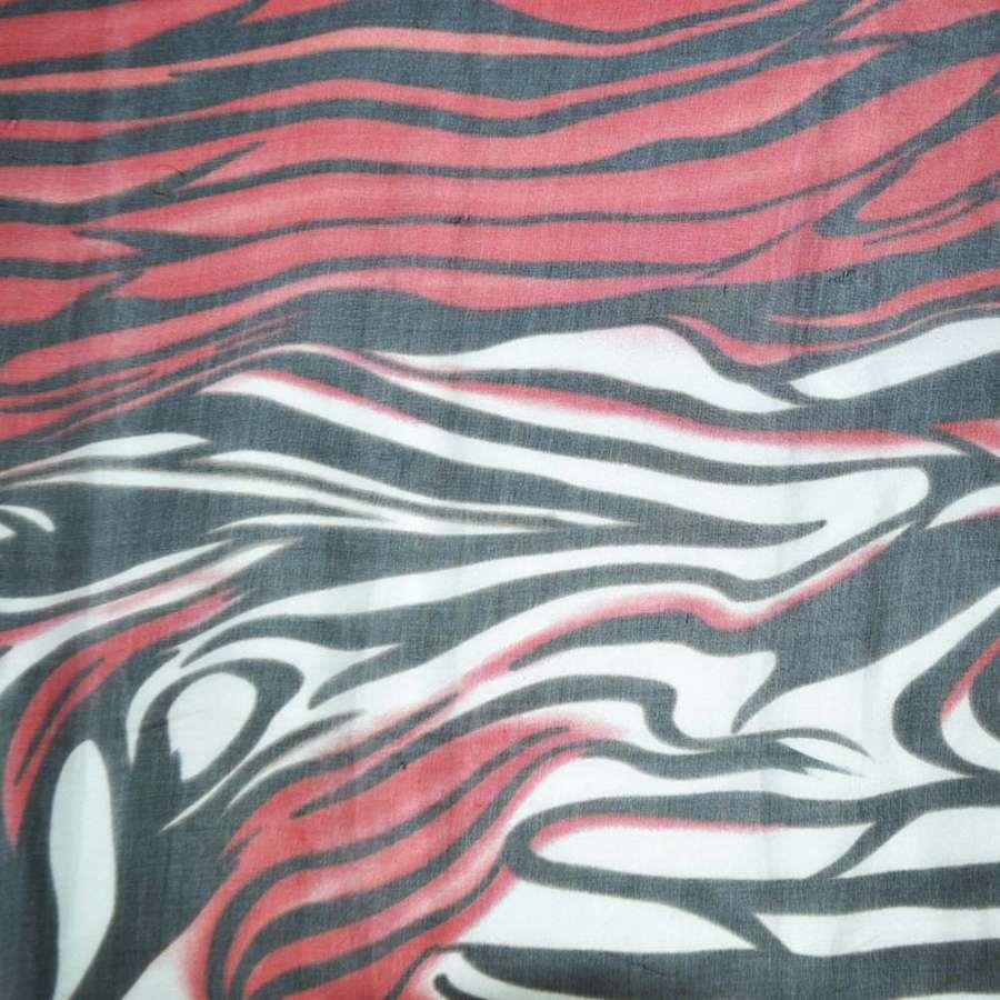 Шелк черный с красно-белыми разводами ш.140