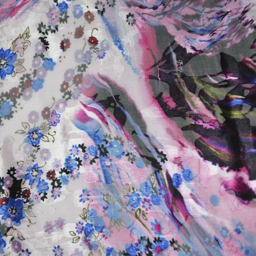 Шелк бледно-розовый в голубые цветы ш.130