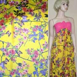 Креп-шифон желтый с розово-малиновыми цветами и бабочками ш.148