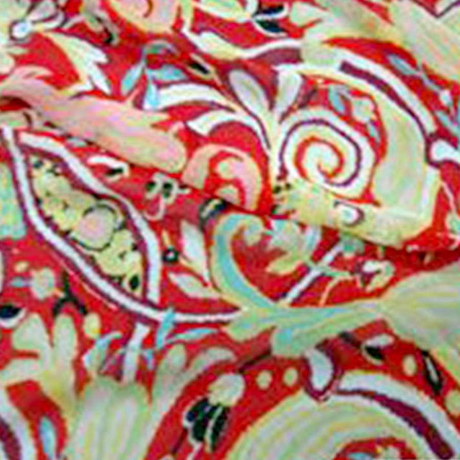 Шифон жатый красный с бежево-голубой абстракцией рис и блестками ш.140