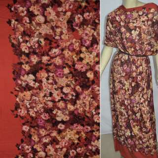 Трикотаж червоний в бежево-бузкові квіти ш.158