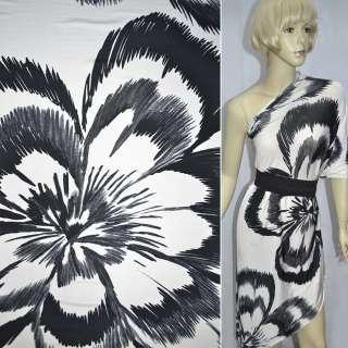 Трикотаж білий з великими чорними квітами ш.140