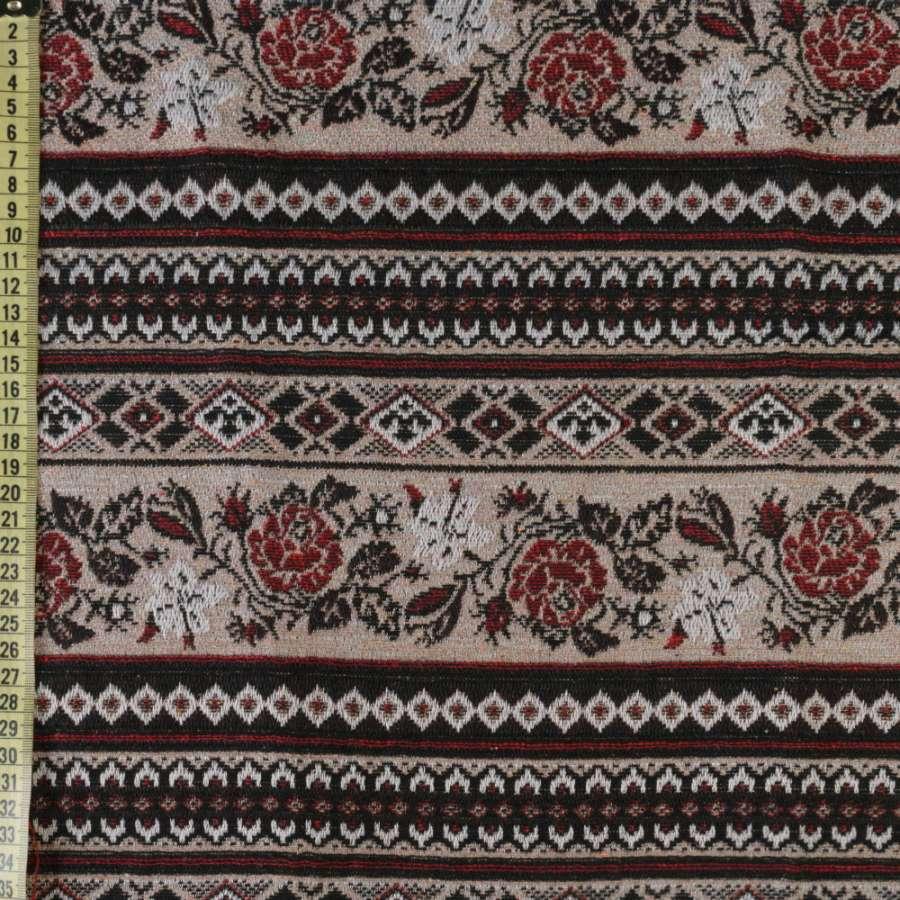 гобелен бежевый, черно-белый орнамент, красные розы, ш.150
