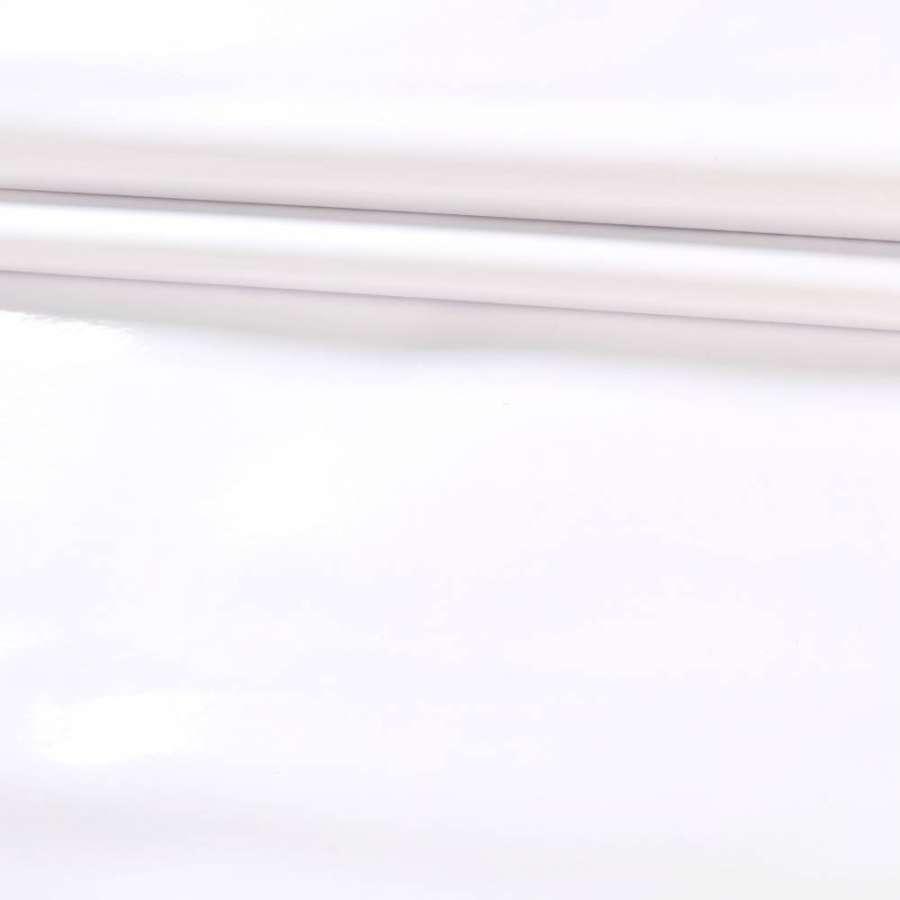 Кожа искусственная лаке на флисе белая ш.142