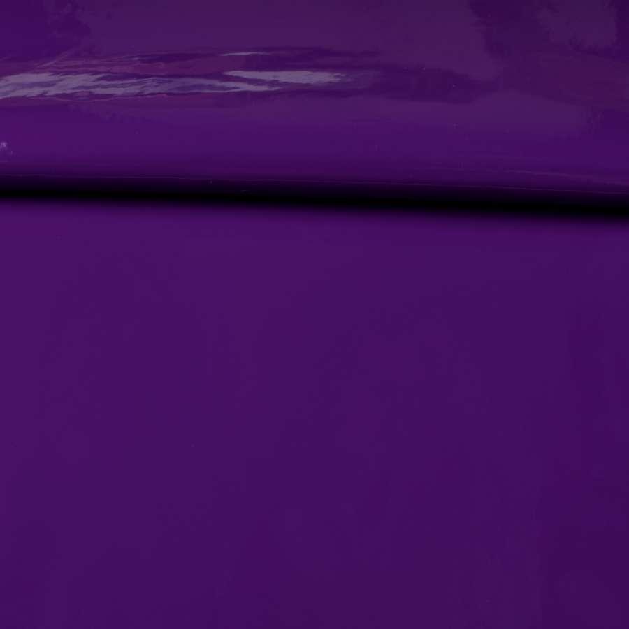 Кожа искусственная лаке на флисе фиолетовая темная, ш.140
