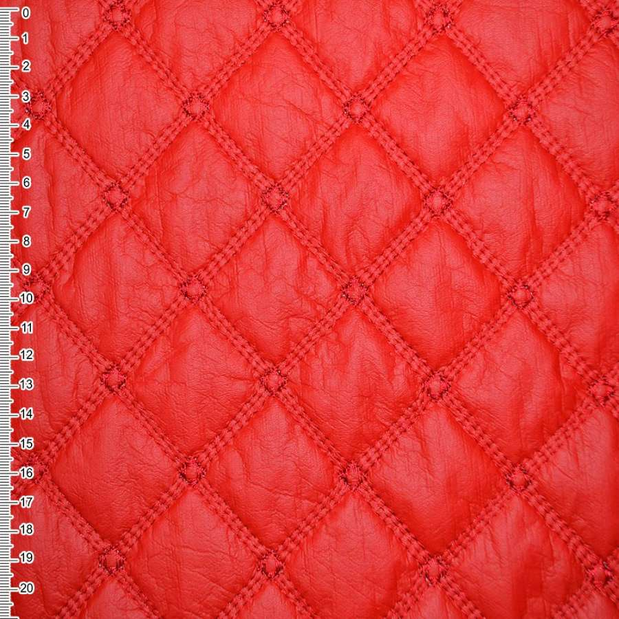 Кожа иск. красная с вышит. ромбами стеган. ш.150