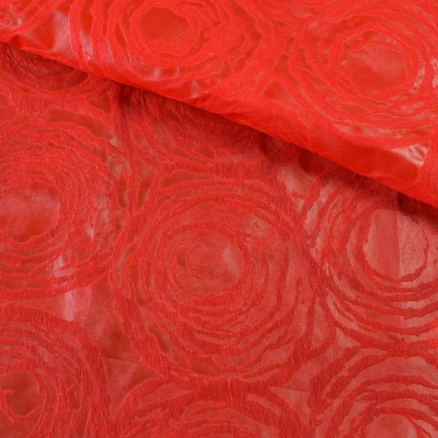 Флизелин красный с тиснением круги (неклеевой), ш.162