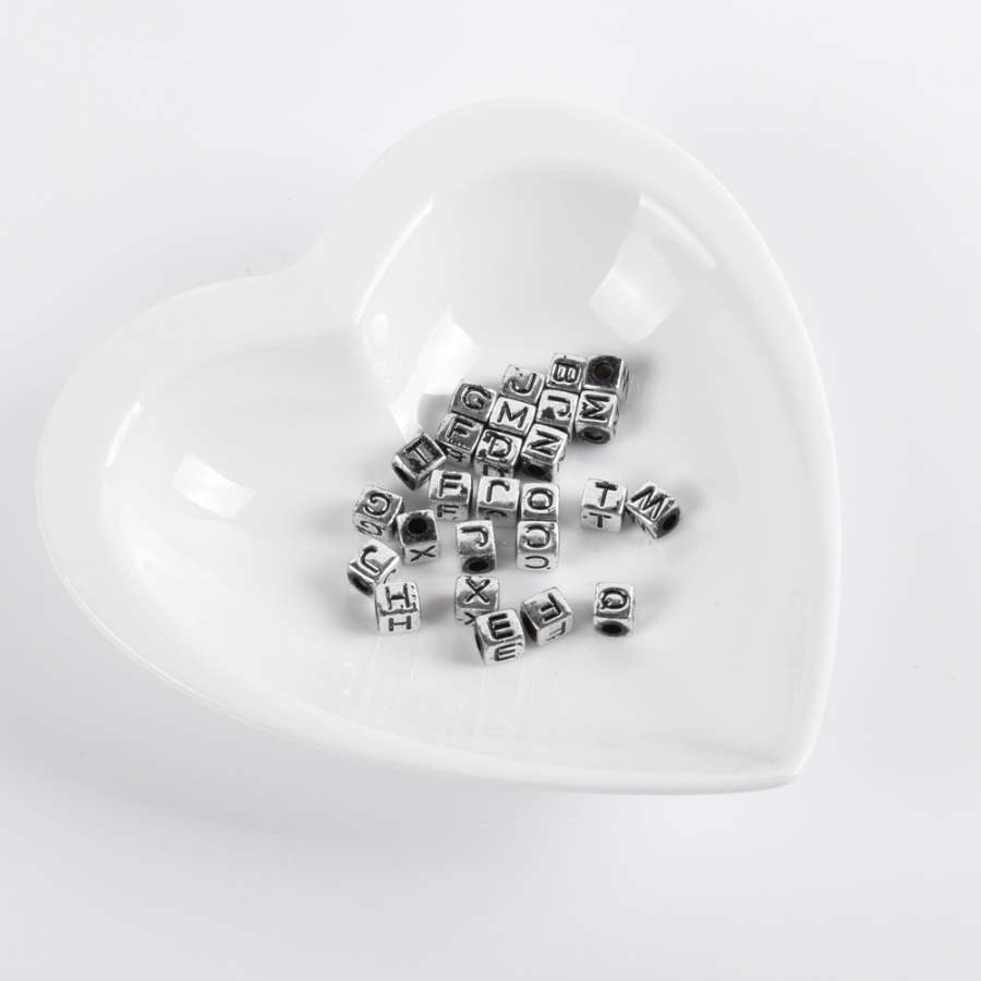 Бусина пластик под металл куб буквы 6мм серебристая (цена за 1г)