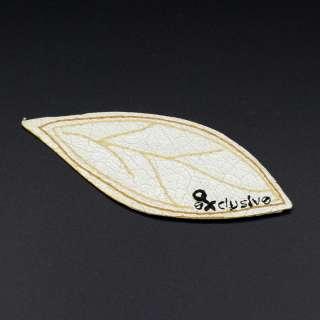Термоаппликация под кожу листочек 105х45мм бежевый