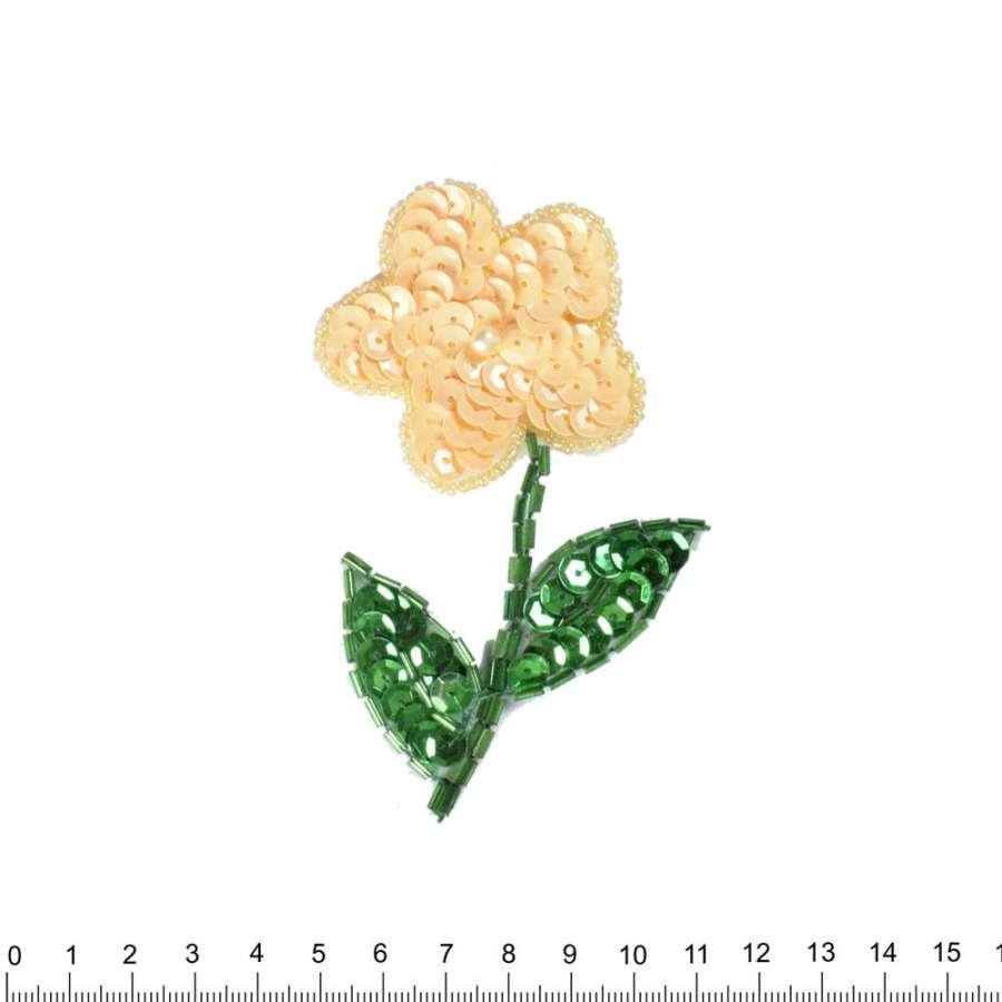 Нашивка с пайетками Цветок 50х11мм кремовый с зеленым