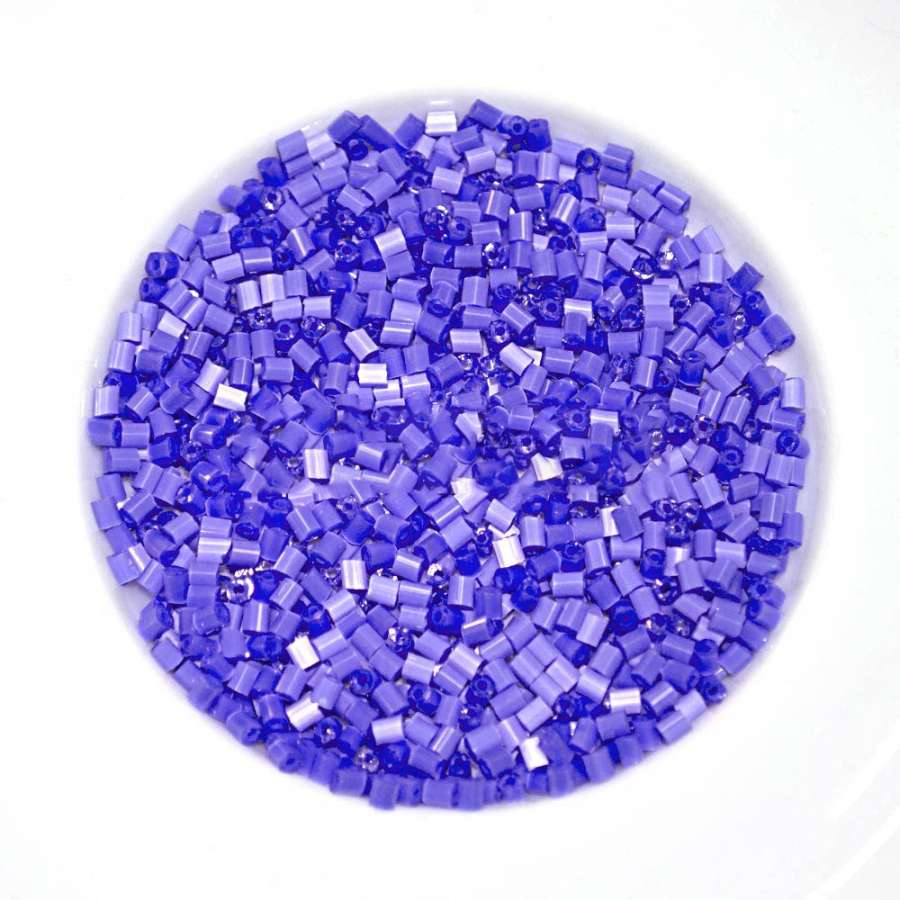 бисер фиолетовый