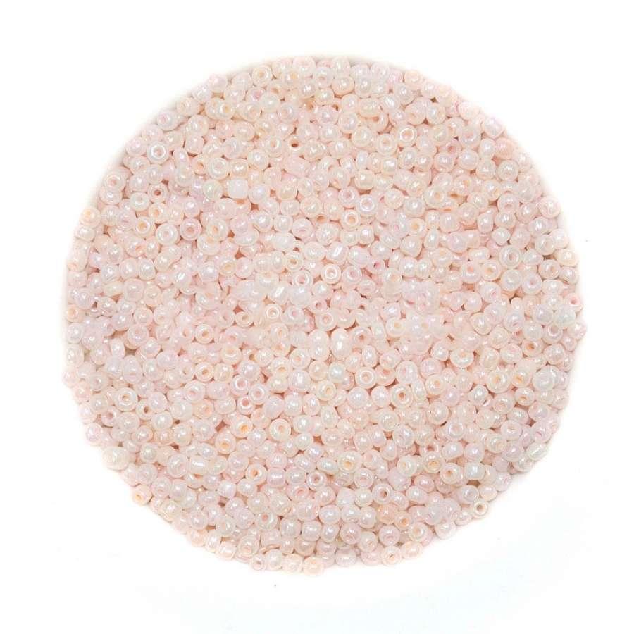 Бисер бледно-розовый