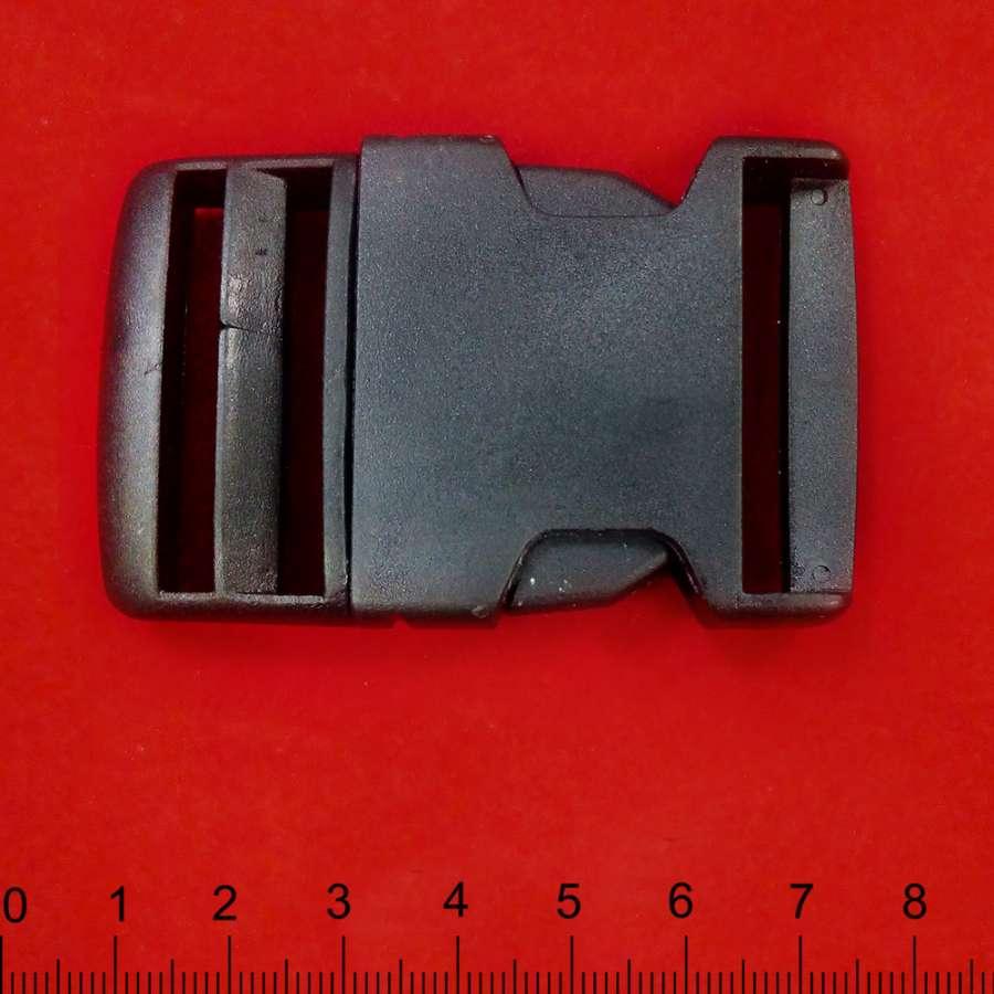 Фастекс пластик 70х45 см черный