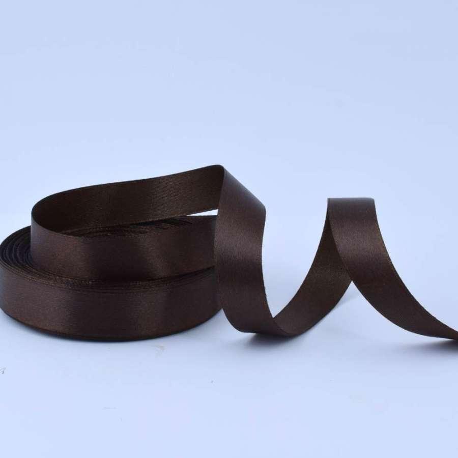 Лента атласная 20мм коричневая темная А1-06-037 на метраж (бобина 50яр/77,4г)