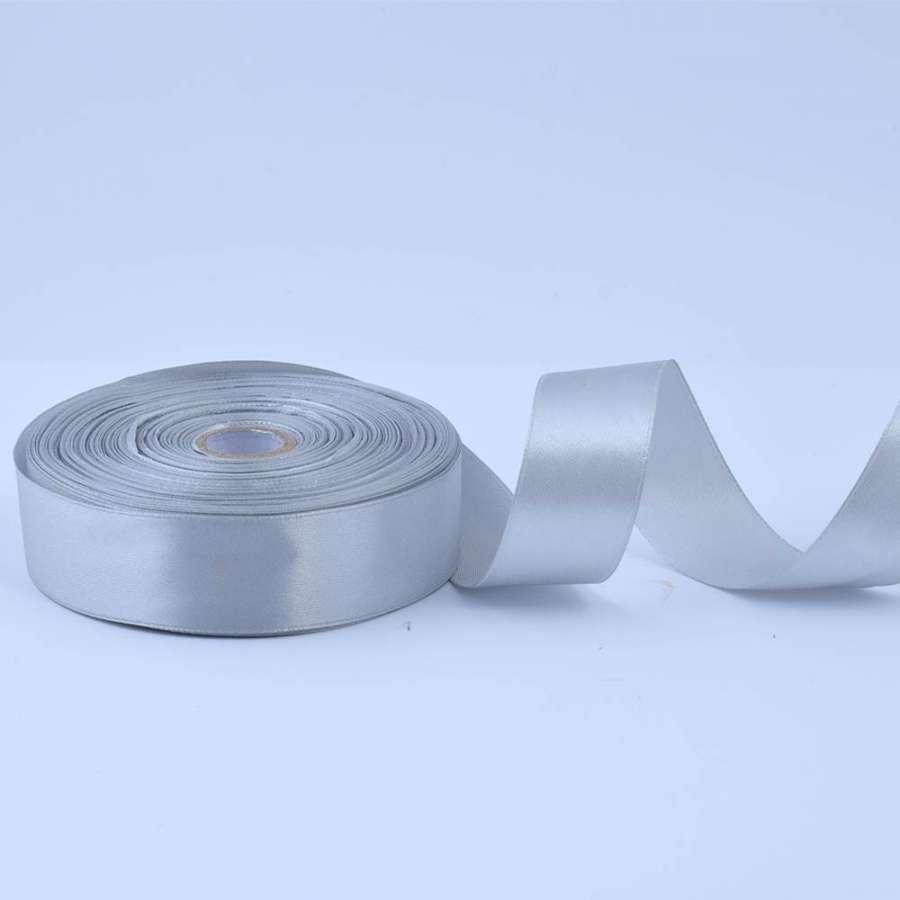 Лента атласная 25мм серая А1-08-003 светлая на метраж (бобина 50яр/119г)