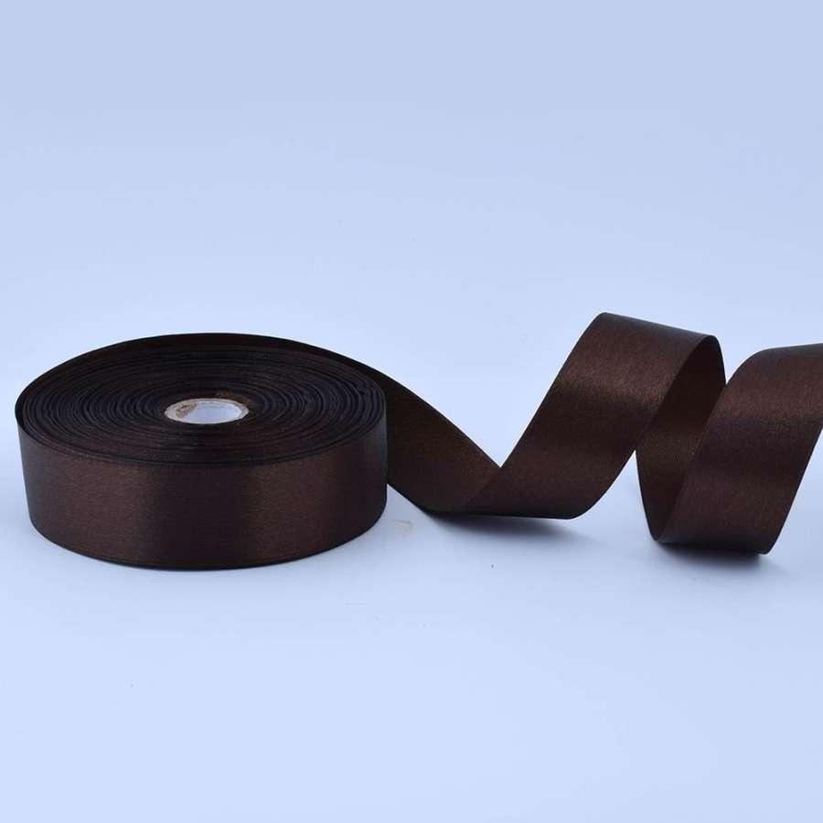 Лента атласная 25мм коричневая темная А1-08-037 на метраж (бобина 50яр/119г)