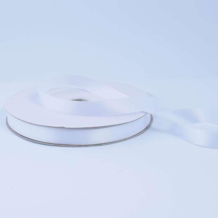 Лента атласная 15мм белая А2-05-001 на метраж (бобина 100яр/230г)