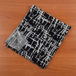 Отрез штапель черный в белый абстрактный рисунок 45х50см
